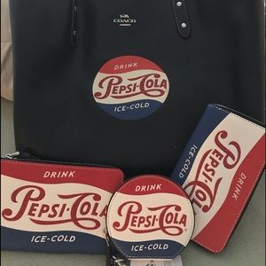 Coach Pepsi set